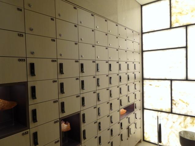 たった26時間のソウル (4)「アンダーズソウル江南」の客室の続き、プール、フィットネス_b0405262_23405290.jpg