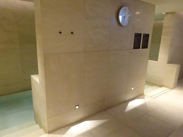 たった26時間のソウル (4)「アンダーズソウル江南」の客室の続き、プール、フィットネス_b0405262_23425569.jpg
