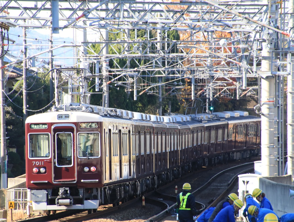 阪急7000系 7011F _d0202264_1585994.jpg