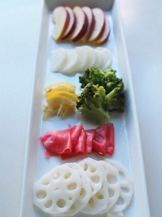 フルーツと野菜の甘酢漬け_e0148373_00010471.jpg