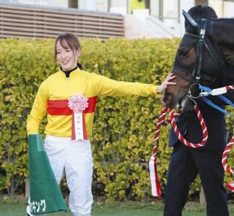 日本馬大活躍、日本は惜敗、高梨3位_d0183174_09220031.jpg