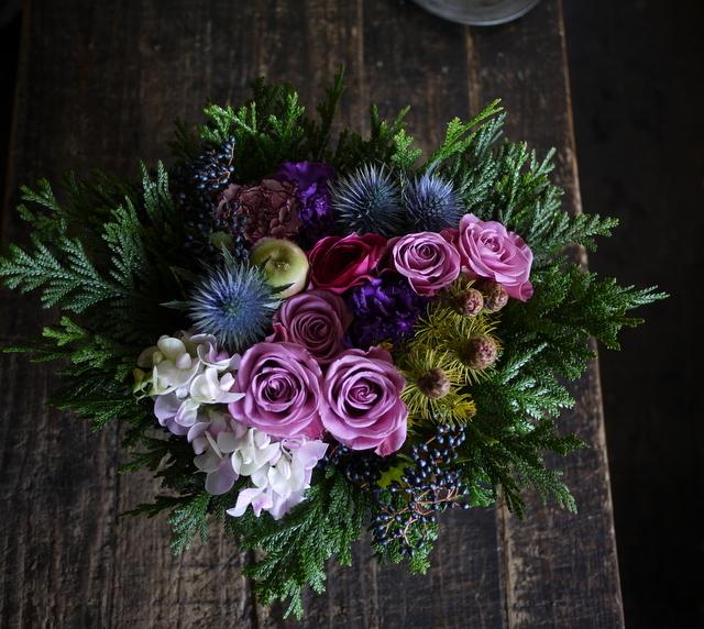 詩吟教室の先生へのアレンジメント。「紫~ピンク系」。2019/12/05。_b0171193_23440715.jpg