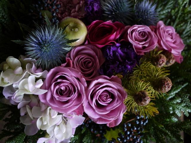 詩吟教室の先生へのアレンジメント。「紫~ピンク系」。2019/12/05。_b0171193_23441246.jpg