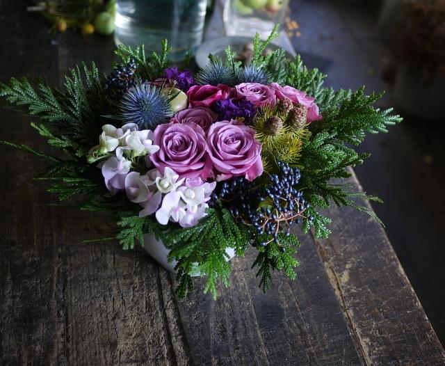 詩吟教室の先生へのアレンジメント。「紫~ピンク系」。2019/12/05。_b0171193_23441639.jpg
