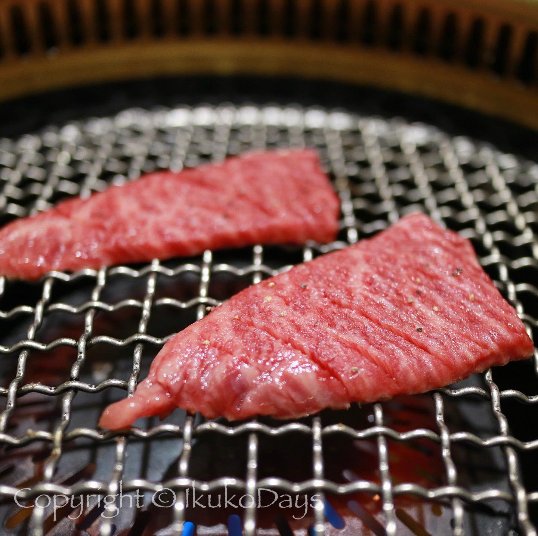 月島で ユッケと赤身肉を楽しみたいなら:『月島焼肉 ブルズ家』_d0114093_13163545.jpg