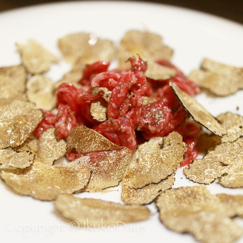 月島で ユッケと赤身肉を楽しみたいなら:『月島焼肉 ブルズ家』_d0114093_13180018.jpg