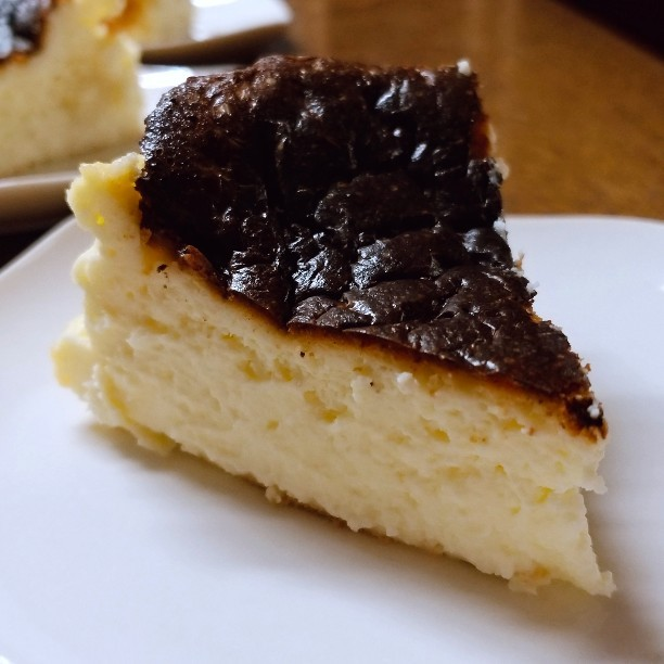 バスクチーズケーキ再挑戦&流行の兆し_b0194098_21083459.jpg