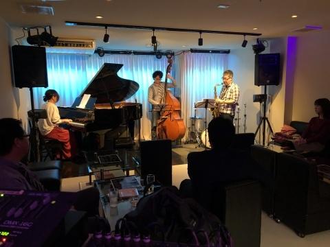 広島 Jazzlive Cominジャズライブカミン  本日のライブ_b0115606_11562622.jpeg