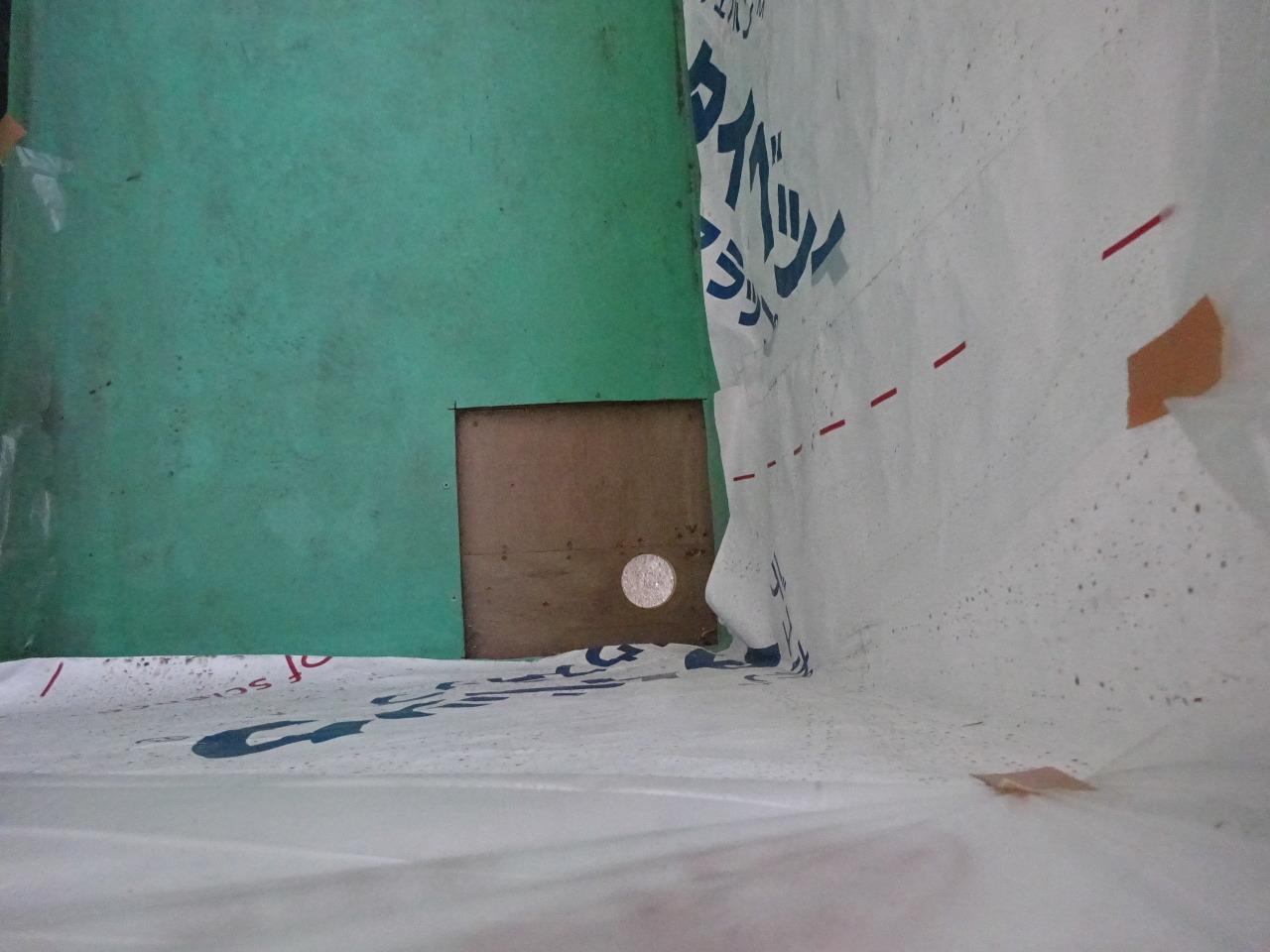 アパートの外装改修工事が進行中です。_f0105112_05300121.jpg