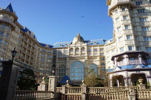 【東京ディズニーランドホテルのツリー】_f0215714_16444240.jpg