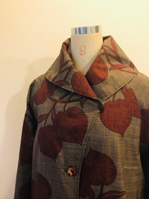 着物着物リメイク・ 大島のお着物から大きな襟コート_d0127925_17160894.jpg