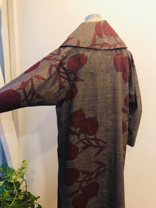 着物着物リメイク・ 大島のお着物から大きな襟コート_d0127925_17161950.jpg