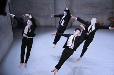 「ダンスブリッジ:旅は道連れ劇場」公演盛況裏に終わる_d0178431_17562416.jpg