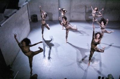 「ダンスブリッジ:旅は道連れ劇場」公演盛況裏に終わる_d0178431_18054998.jpg