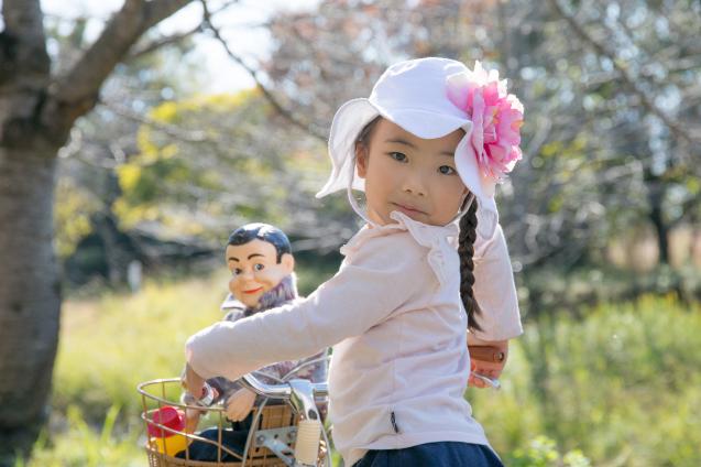 """ゆいちゃんとサラちゃん:その4 """"自転車にのって""""_e0369736_22182661.jpg"""