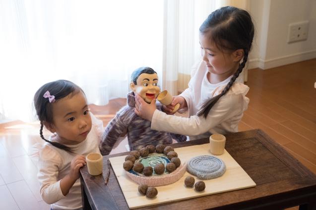 """ゆいちゃんとサラちゃん:その5 """"ケーキで宴会""""_e0369736_23290985.jpg"""