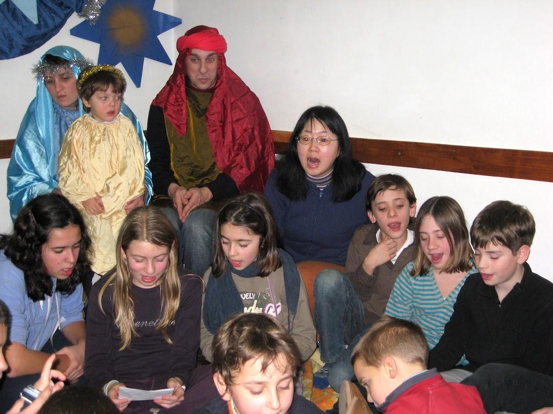 きよしこのよる歌い 地方色カタカナ練習、ペルージャで日本語授業_f0234936_8155954.jpg