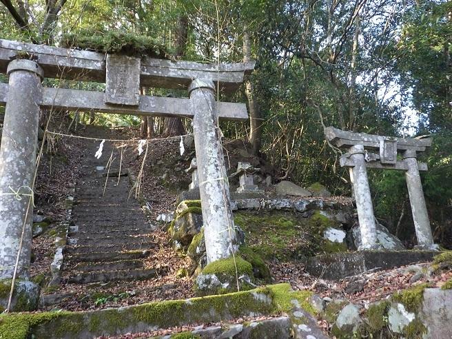 歴史探訪・・一ツ戸城山(耶馬渓)_e0164643_10240707.jpg