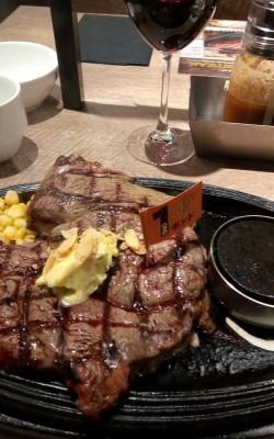 1ポンドステーキを食す。_e0108851_17195851.jpg