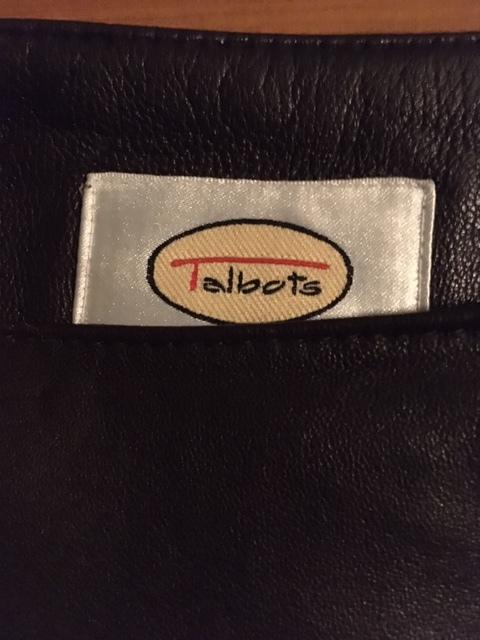 皮のスカートは暖かい_e0350971_14211726.jpg
