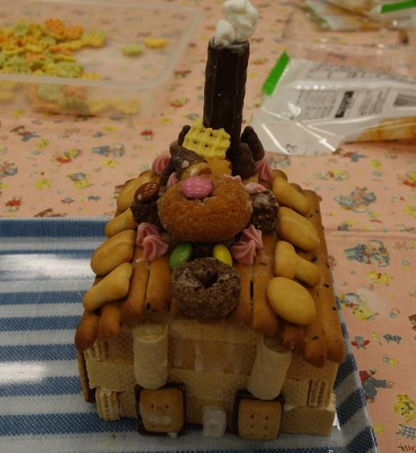 お菓子の家作り_e0317274_13521342.jpg