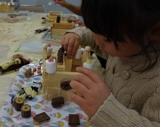 お菓子の家作り_b0159780_13145851.jpg