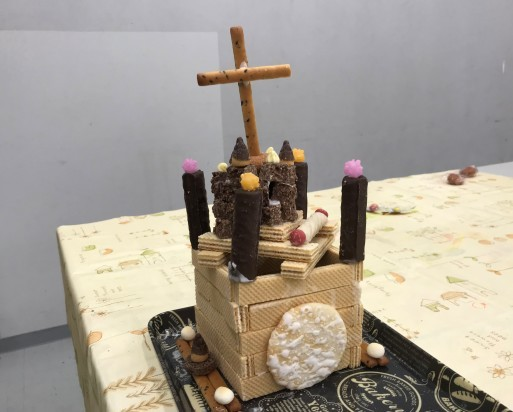 お菓子の家作り_b0159780_13403518.jpg