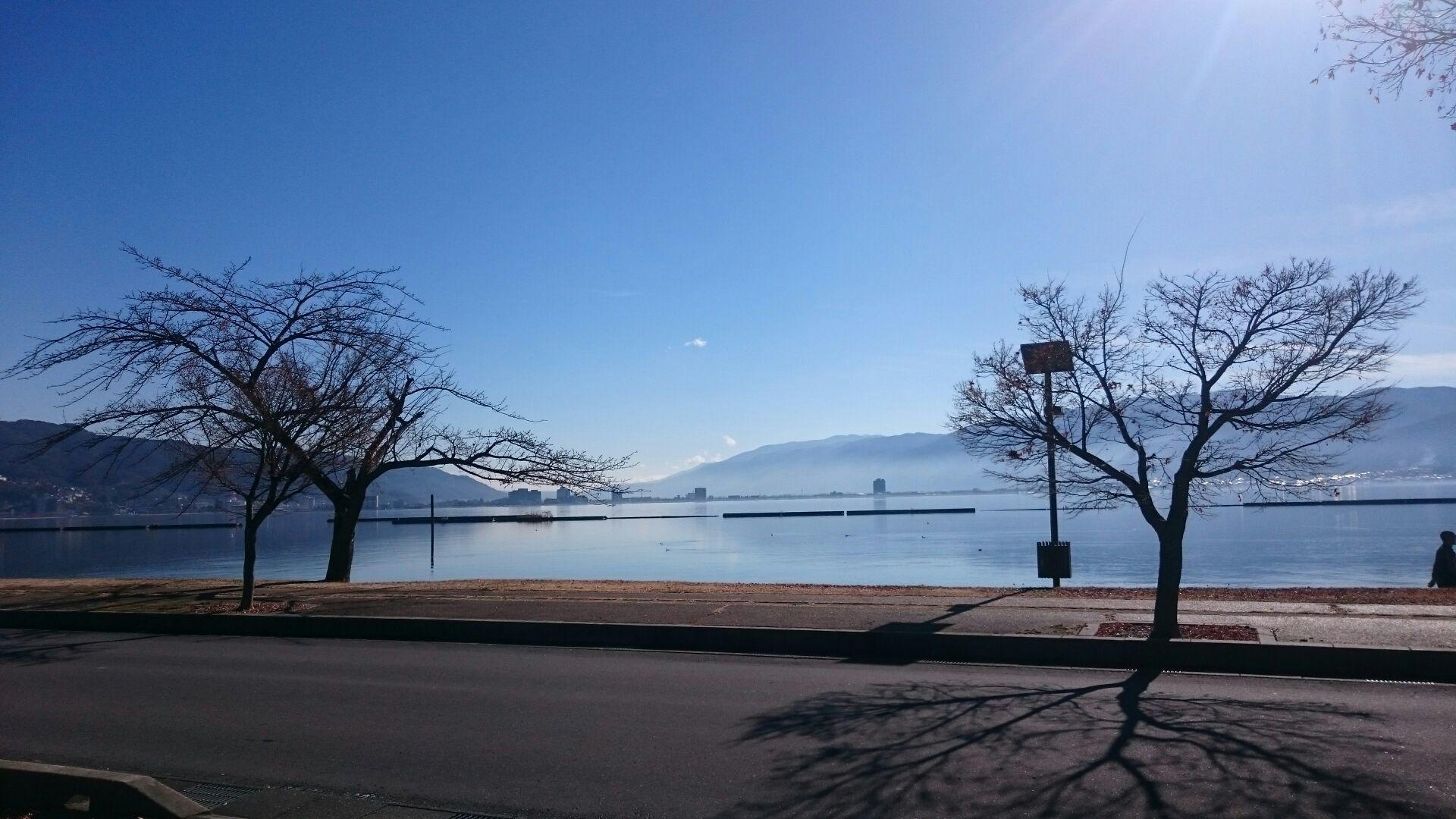 諏訪湖を眺めながら☆_f0147585_15383308.jpg