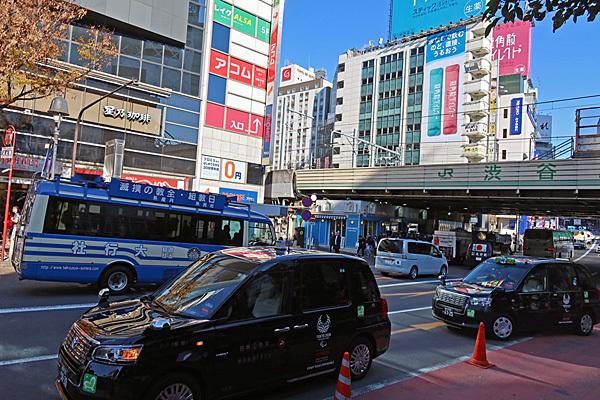 渋谷ハチ公前_a0188487_20101063.jpg