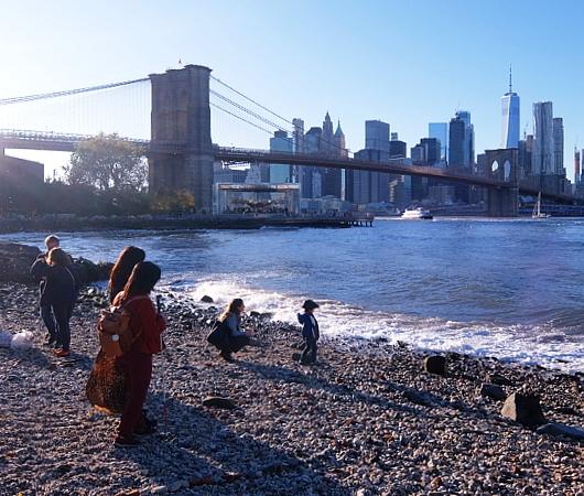 NY Brooklyn、夕暮れの人工海岸、ペブル・ビーチ(Pebble Beach)_b0007805_07501313.jpg