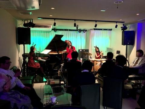 広島 Jazzlive Cominジャズライブカミン  本日12月11日はおやすみです。_b0115606_10285519.jpeg