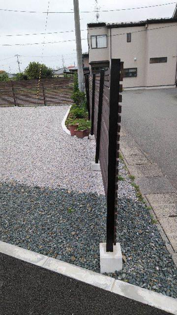 木製塀 台風19号の被害復旧工事_f0105112_04104037.jpg