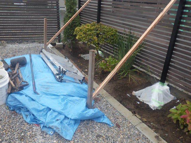 木製塀 台風19号の被害復旧工事_f0105112_04171127.jpg