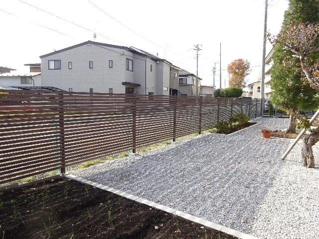 木製塀 台風19号の被害復旧工事_f0105112_04171132.jpg
