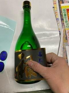 飾り樽を包んだり、レッテル張りなど_d0007957_22523419.jpg