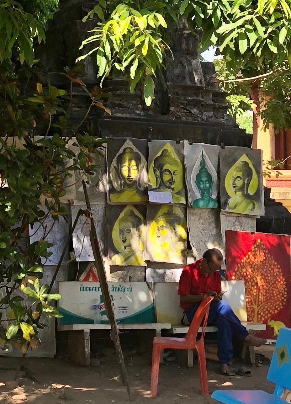 ラオスの旅 5 ビエンチャン最古の寺 ワット・シーサケート_a0092659_16004490.jpg