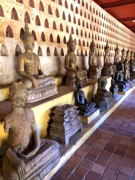 ラオスの旅 5 ビエンチャン最古の寺 ワット・シーサケート_a0092659_16110130.jpg