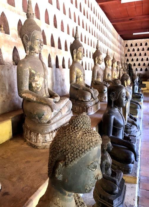 ラオスの旅 5 ビエンチャン最古の寺 ワット・シーサケート_a0092659_23025411.jpg