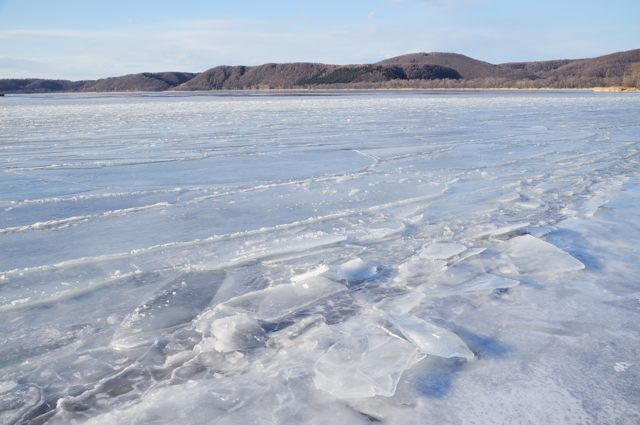 氷結する網走湖_c0081462_22044357.jpg