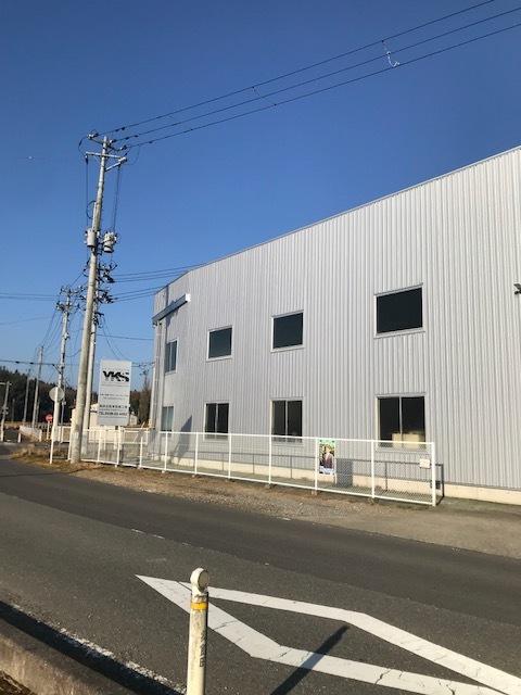 整備工場外壁工事完工_d0153164_09372955.jpg