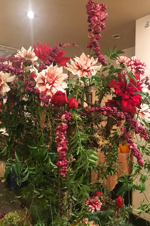 ターゲ・アンデルセンの器に会場装花をしました♪_f0127281_19271793.jpg