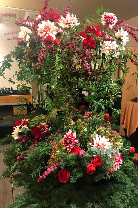 ターゲ・アンデルセンの器に会場装花をしました♪_f0127281_19272521.jpg