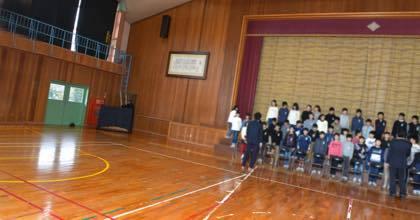学校によっては授業が始まる前に撮影するので........._b0194185_18504892.jpg