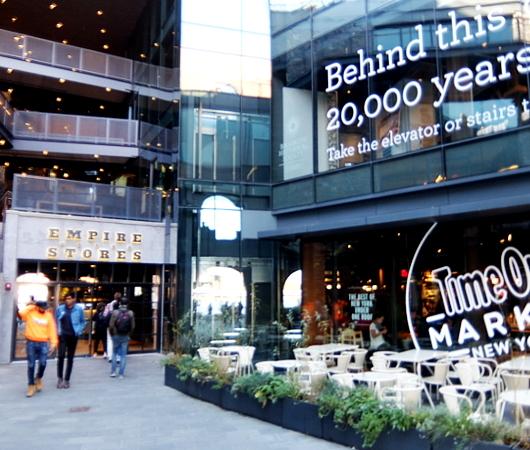 タイムアウト・マーケット(TimeOut Market)の入っている建物へ_b0007805_12340946.jpg