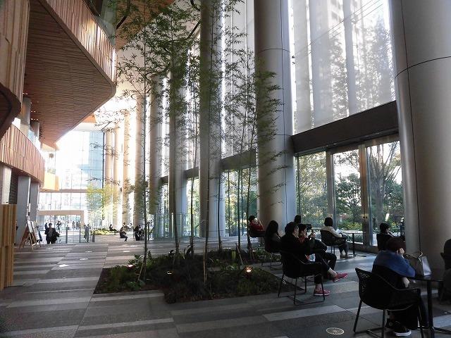 富士駅北口再開発のお手本? 環状2号線の上に建設された超高層ビル「虎ノ門ヒルズ」_f0141310_08044297.jpg