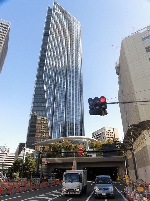 富士駅北口再開発のお手本? 環状2号線の上に建設された超高層ビル「虎ノ門ヒルズ」_f0141310_08052347.jpg