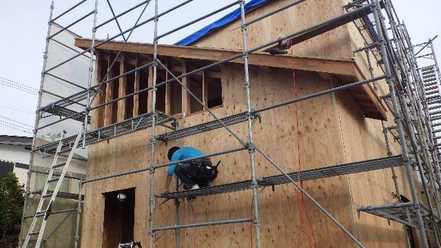 滝沢 穴口の家 建て方作業進行中です!_f0105112_04115144.jpg