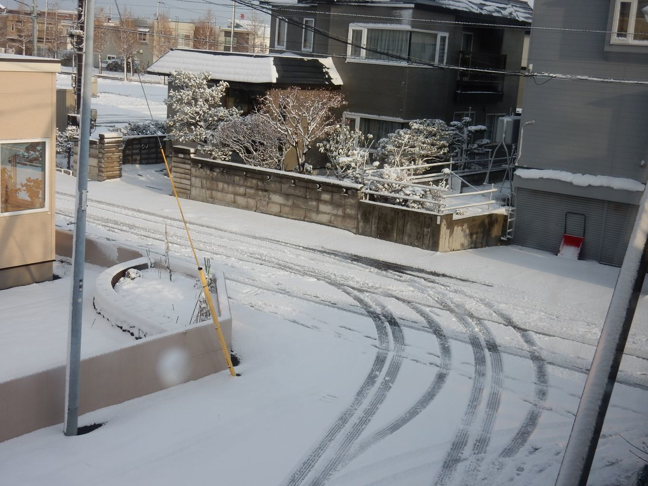 雪戻る_c0025115_21271430.jpg