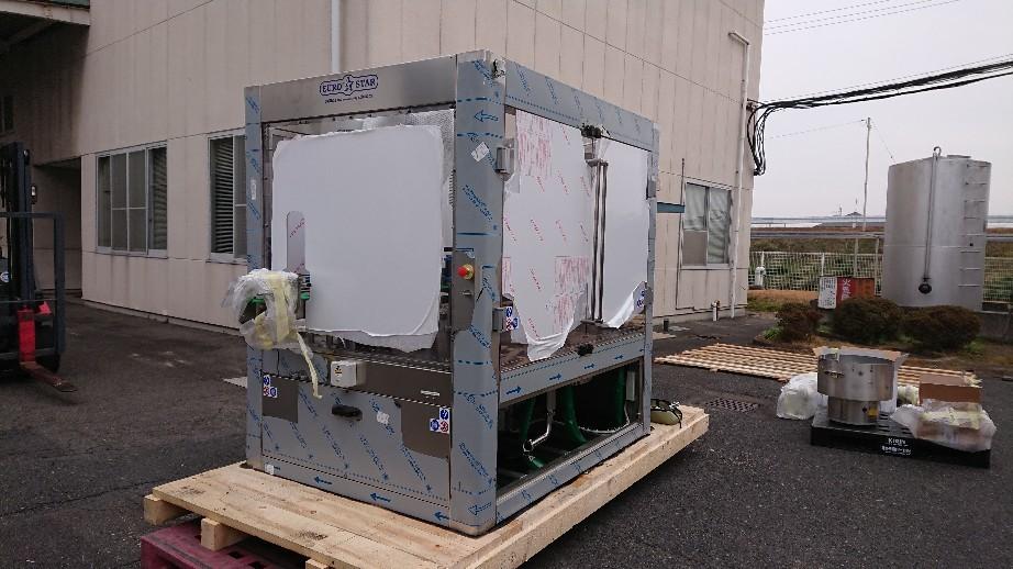 充填機械納入日本酒メ..._d0174738_22242282.jpg