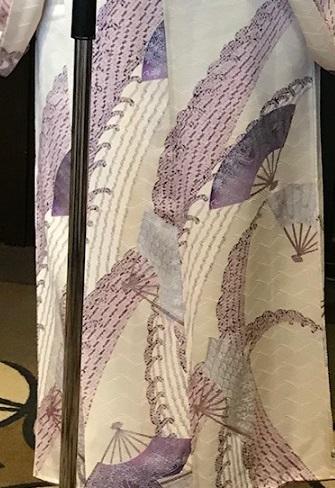 11周年・頂かれた染匹田の扇面の着物に孔雀や獅子の帯。_f0181251_18373201.jpg